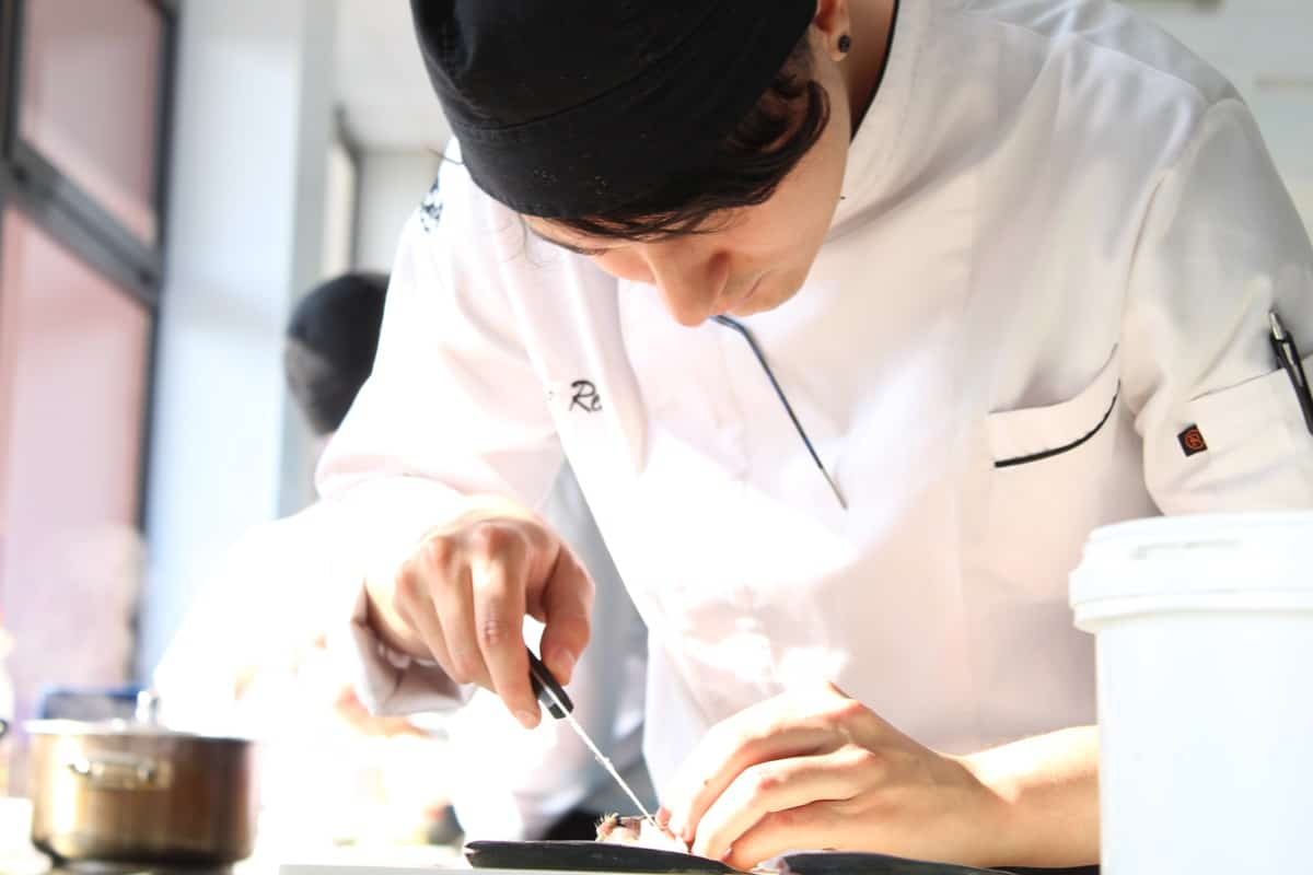 escuela cocina villa retiro-formacion-tecnica-master-gastronomia-chef-fran-lopez-estrella-michelin-curso-cocina-embutidos