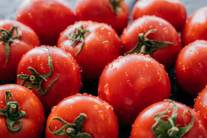 pelar-tomate-rapido-facil-express-microondas-escuela-cocina-villa-retiro