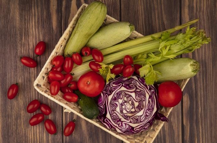 Como mantener las verduras crujientes para ensaladas y guarniciones